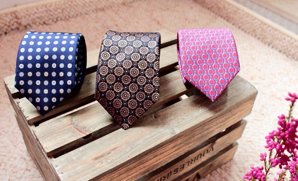 Krawat motywy