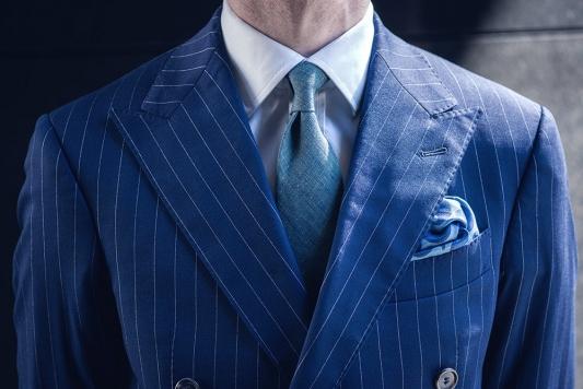 dwurzedowy-powersuit-garnitur-w-prazki-buczynski1