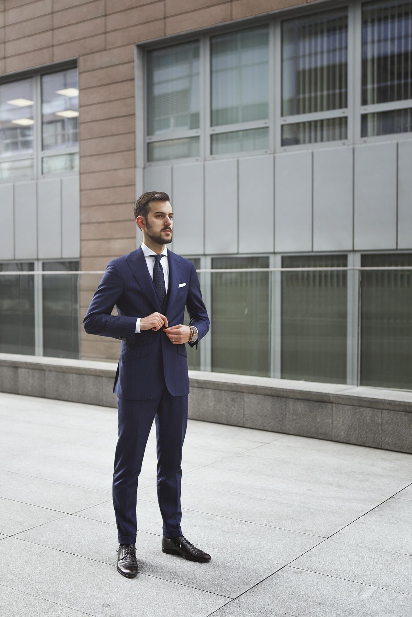 c78b5fa8ce677 jak-zrobic-pierwsze-wrazenie-garnitury-biznesowe-powersuit13