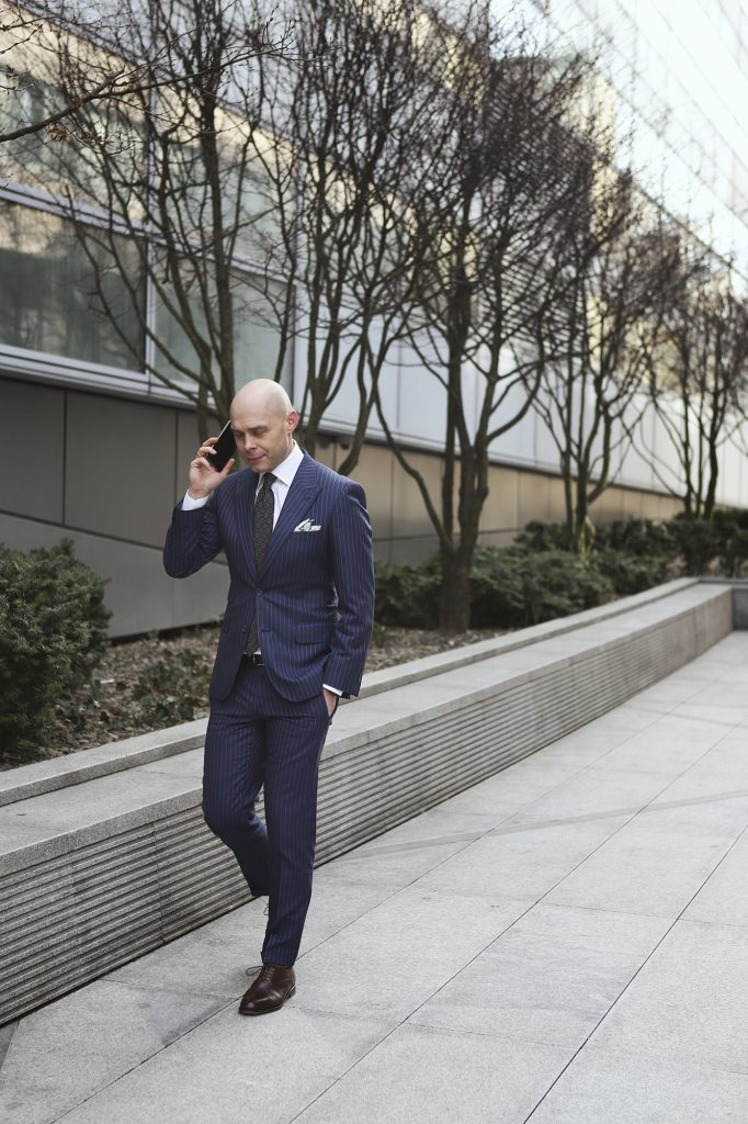 jak-zrobic-pierwsze-wrazenie-garnitury-biznesowe-powersuit4