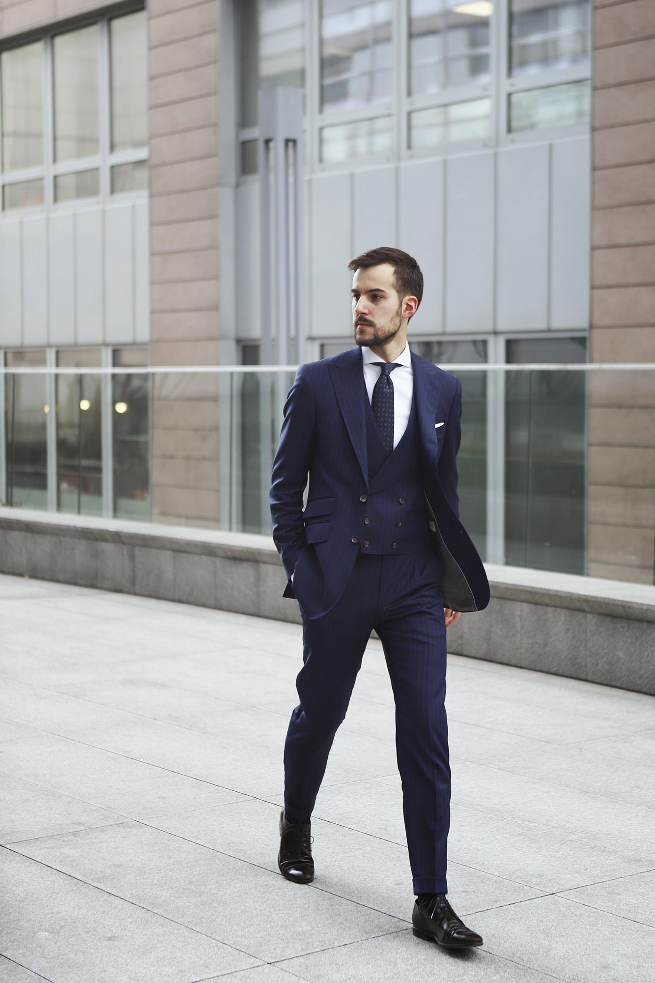 c128f43ff615a jak-zrobic-pierwsze-wrazenie-garnitury-biznesowe-powersuit8