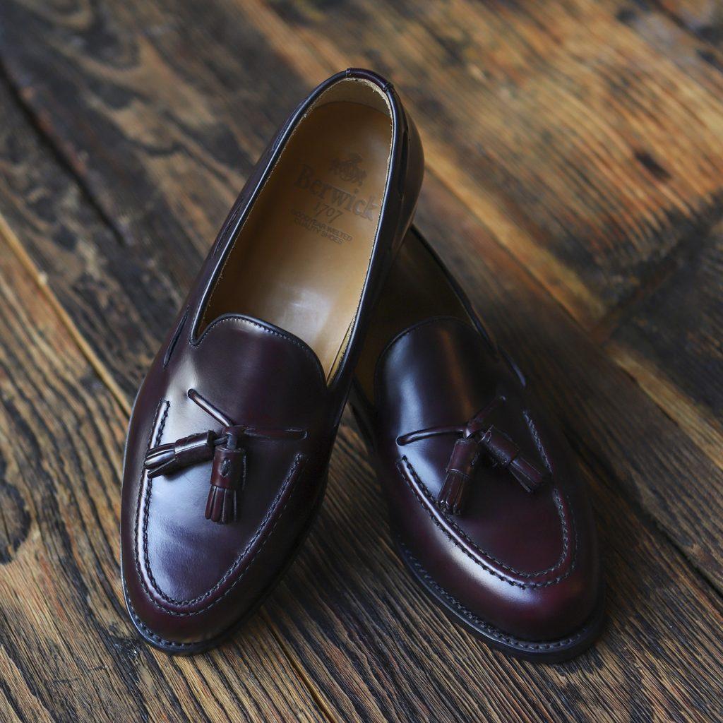 burgundowe-mokasyny-tassel-loafers-berwick-8491-1