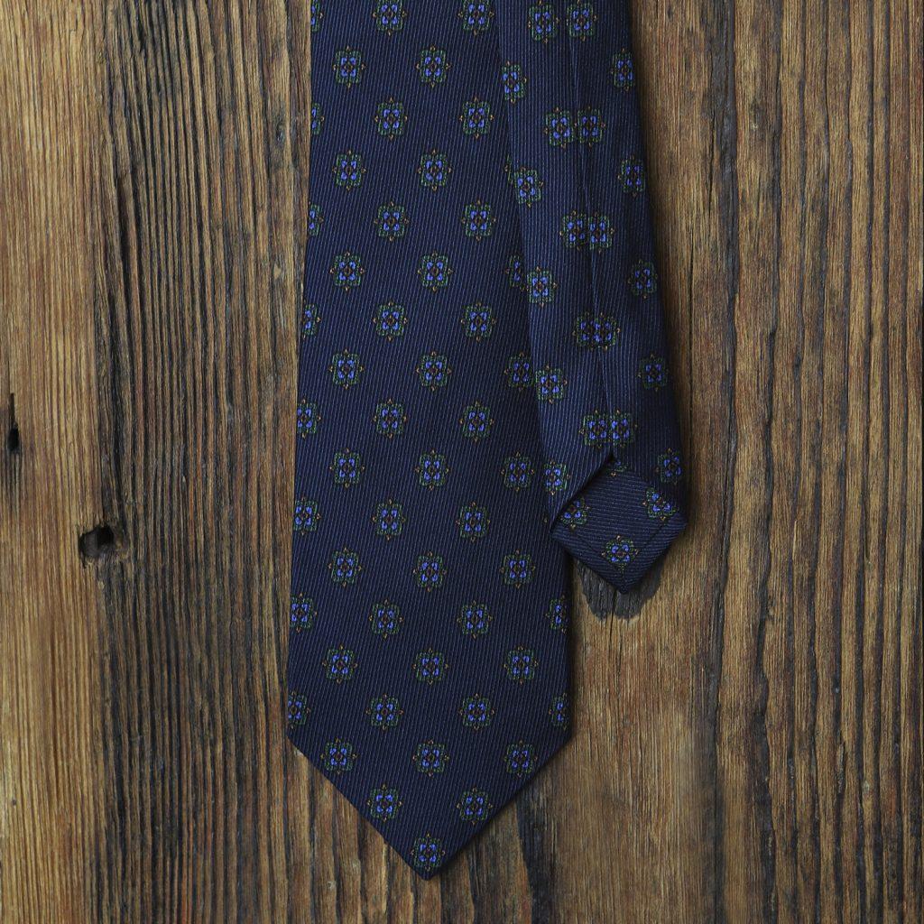 granatowy-krawat-jedwabny-zielone-ornamenty1
