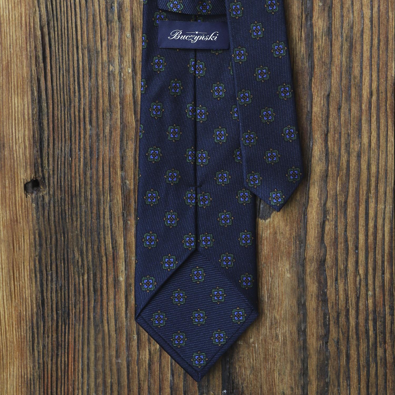 4f0ccdf57cac46 granatowy-krawat-jedwabny-zielone-ornamenty2