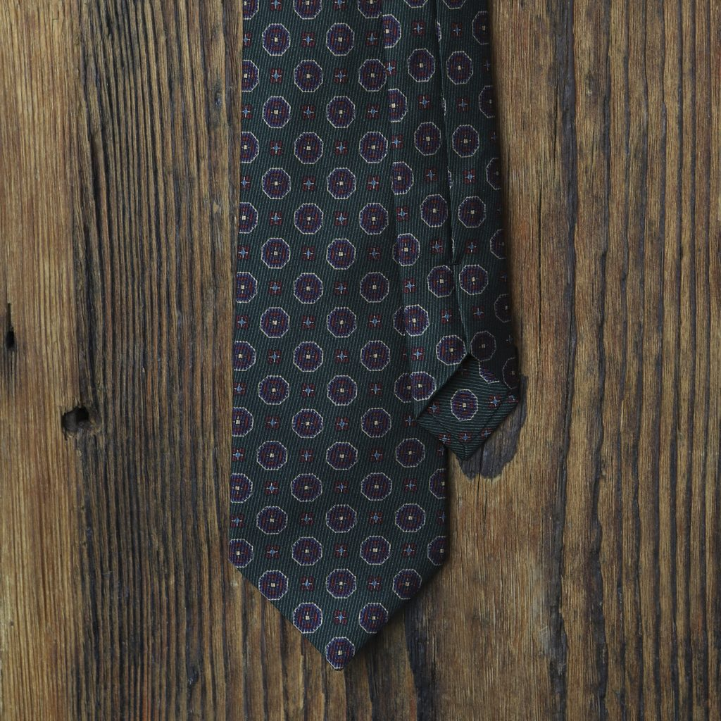 zielony-krawat-ornamenty1