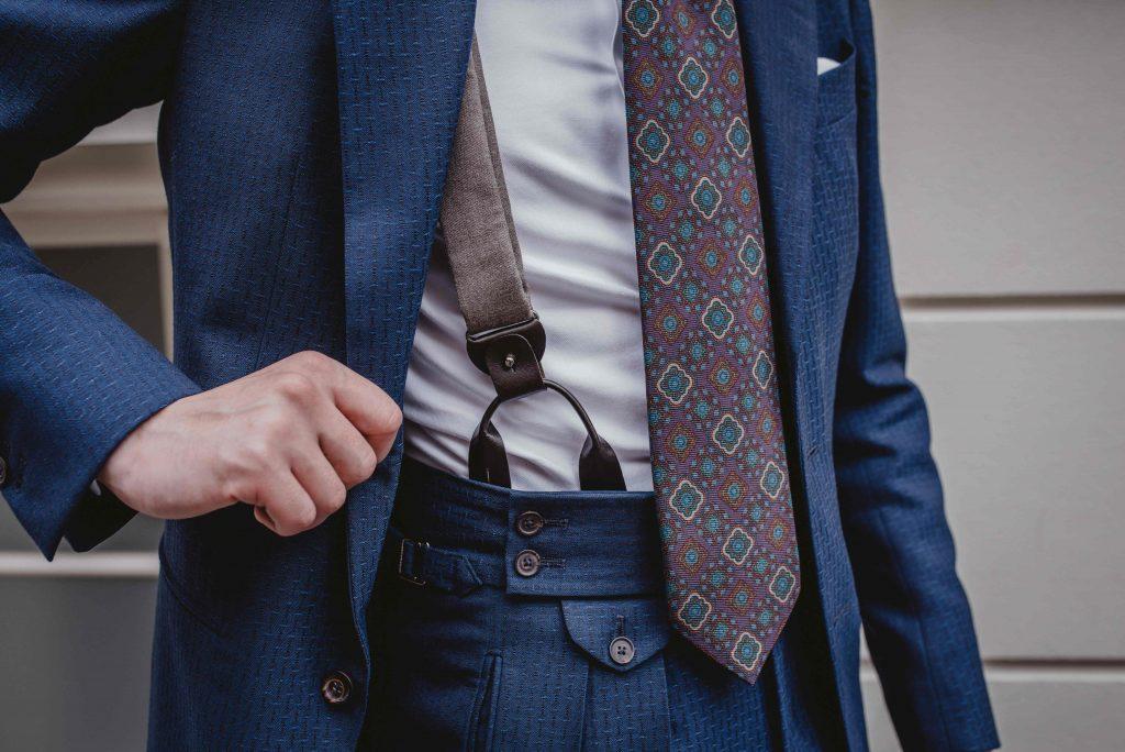 niebieski-garnitur-faktura-slub-polformalny-buczynski50