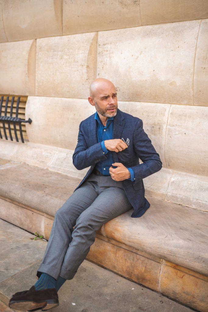 denimowa-jeansowa-koszula-szare-spodnie11