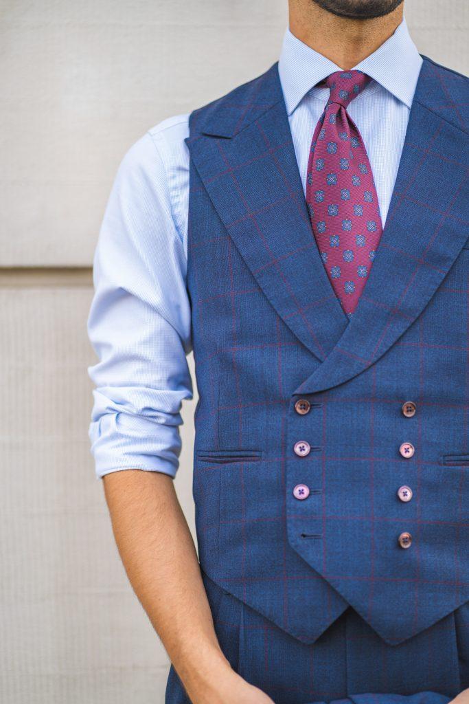 niebieski-garnitur-bordowa-krata14