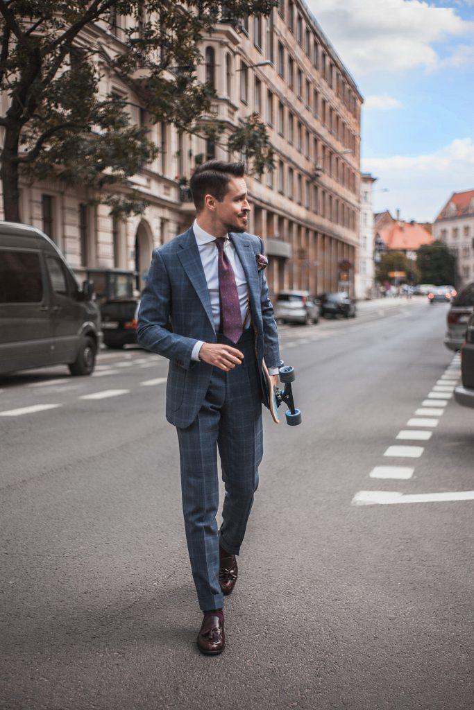 wygodny-niebieski-garnitur-w-krate-boho-biznesowy-2