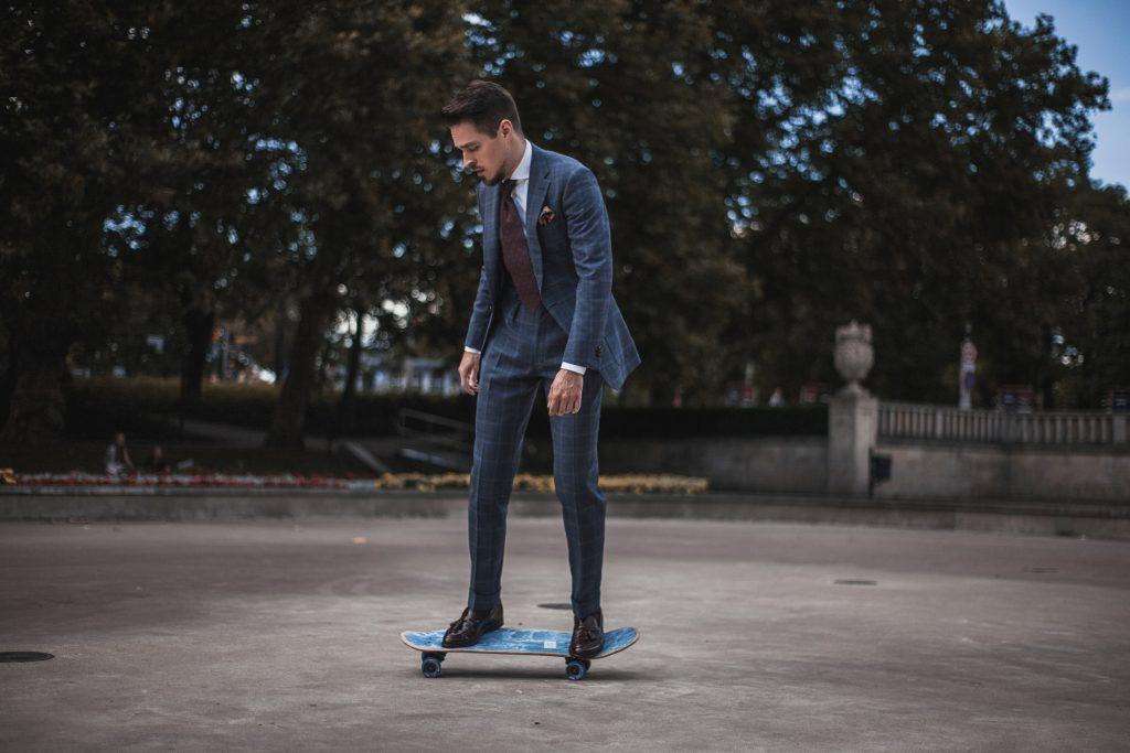 wygodny-niebieski-garnitur-w-krate-boho-biznesowy-28