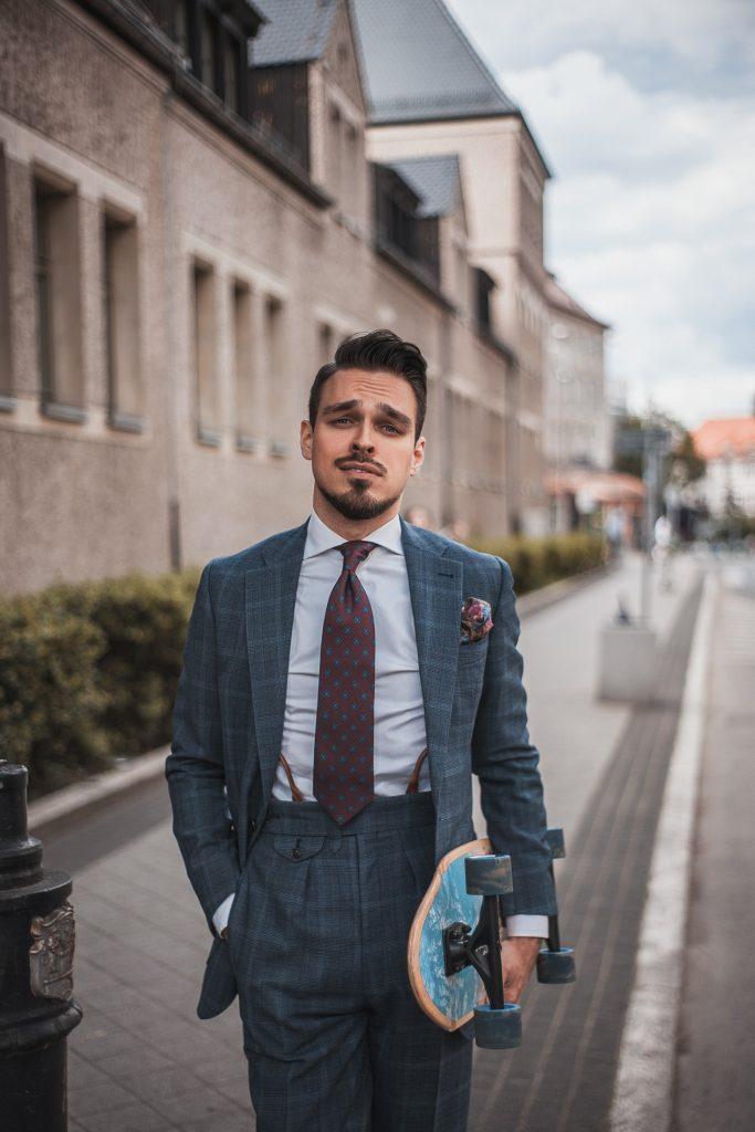 wygodny-niebieski-garnitur-w-krate-boho-biznesowy-5